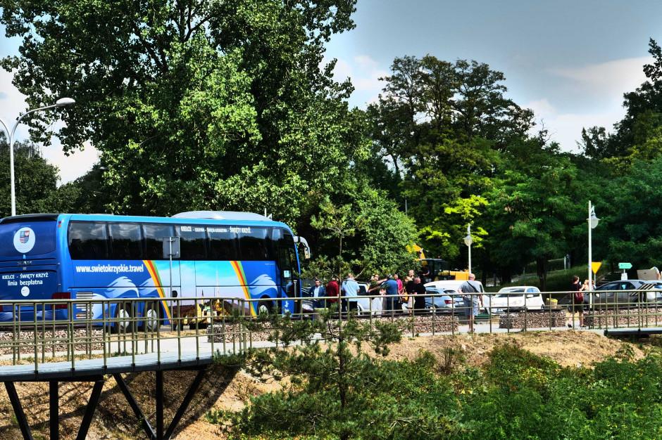 Rusza bezpłatny autokar z Kielc na Święty Krzyż. Jeździć będzie w weekendy do końca września