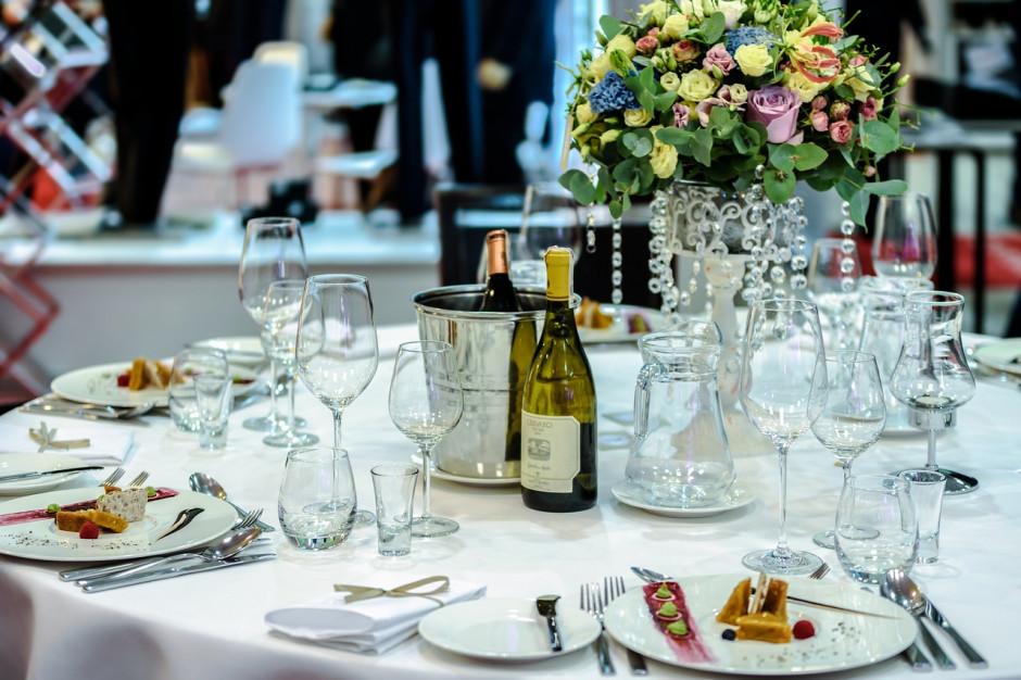Ministerstwo Zdrowia odradza uczestnictwo w weselach
