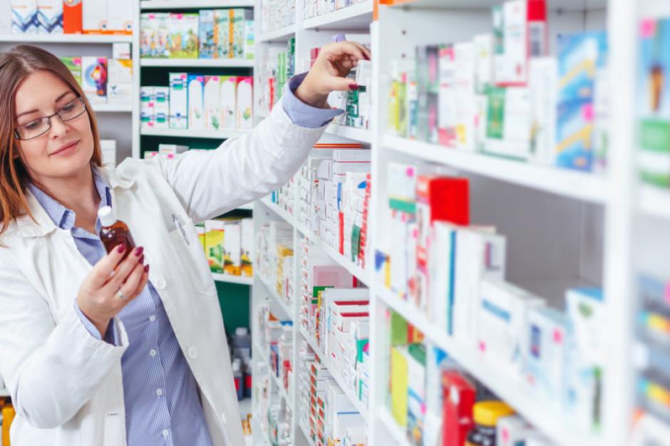 Bezpłatne szczepienia na grypę także dla farmaceutów i techników w aptekach
