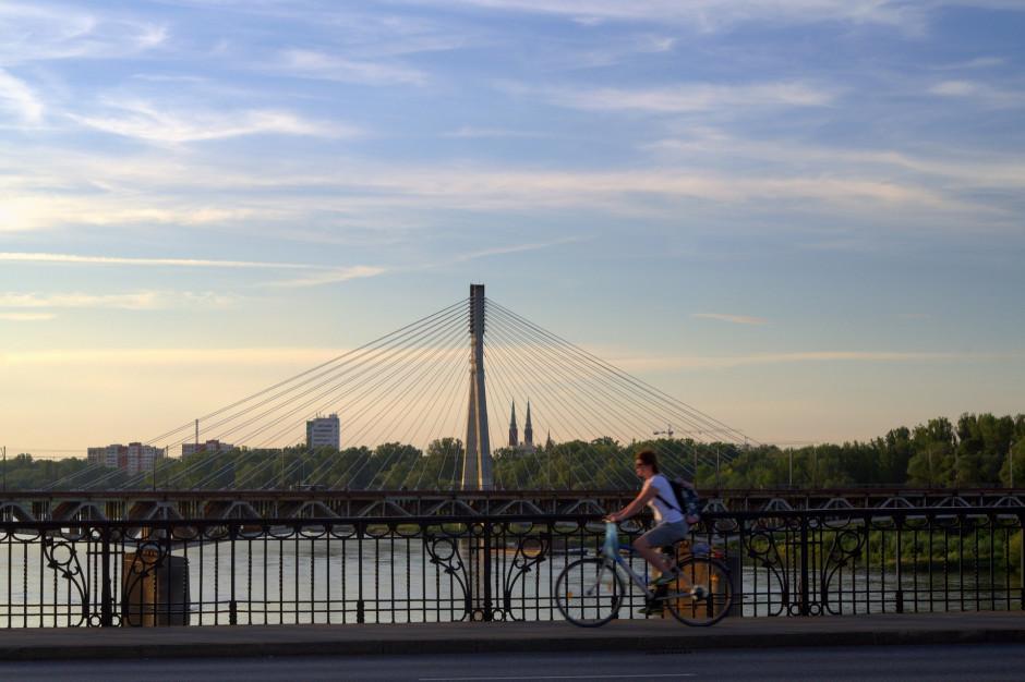 Warszawa: Miasto nie będzie premiowało urzędników za dojazd rowerem do pracy