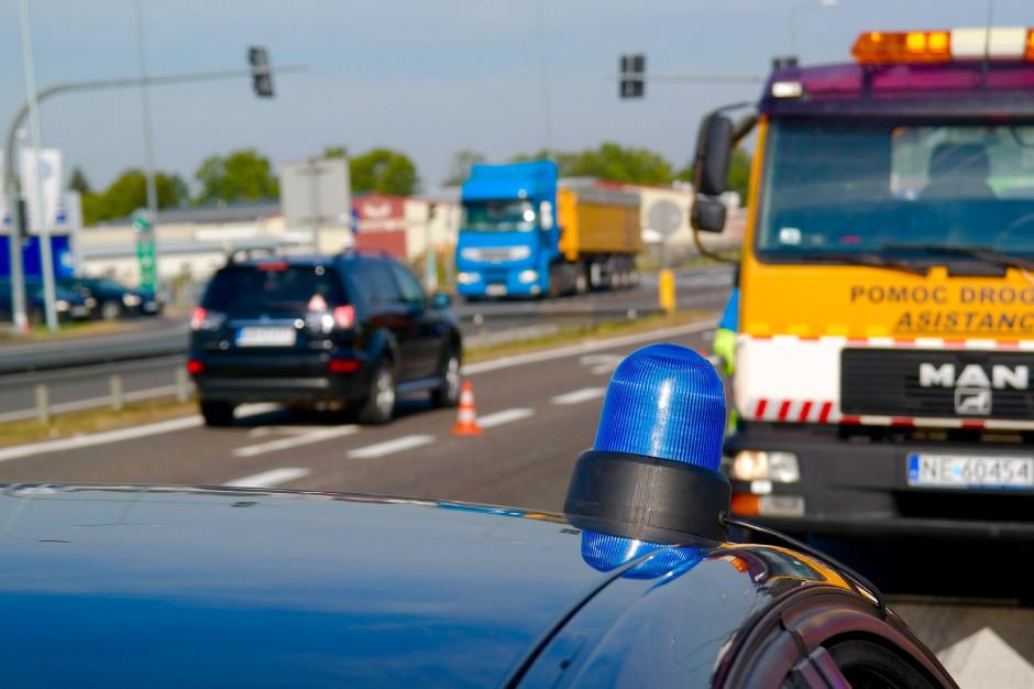 Zarzut spowodowania katastrofy wobec kierowcy po wypadku autokaru z dziećmi na A1
