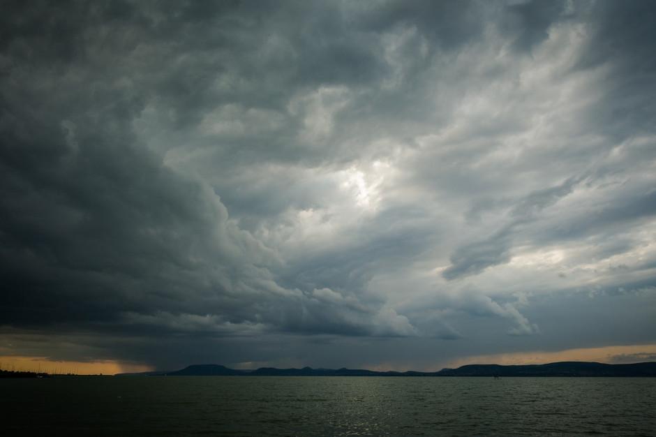 Uwaga na burze. Ostrzeżenie IMGW niemal dla całego kraju