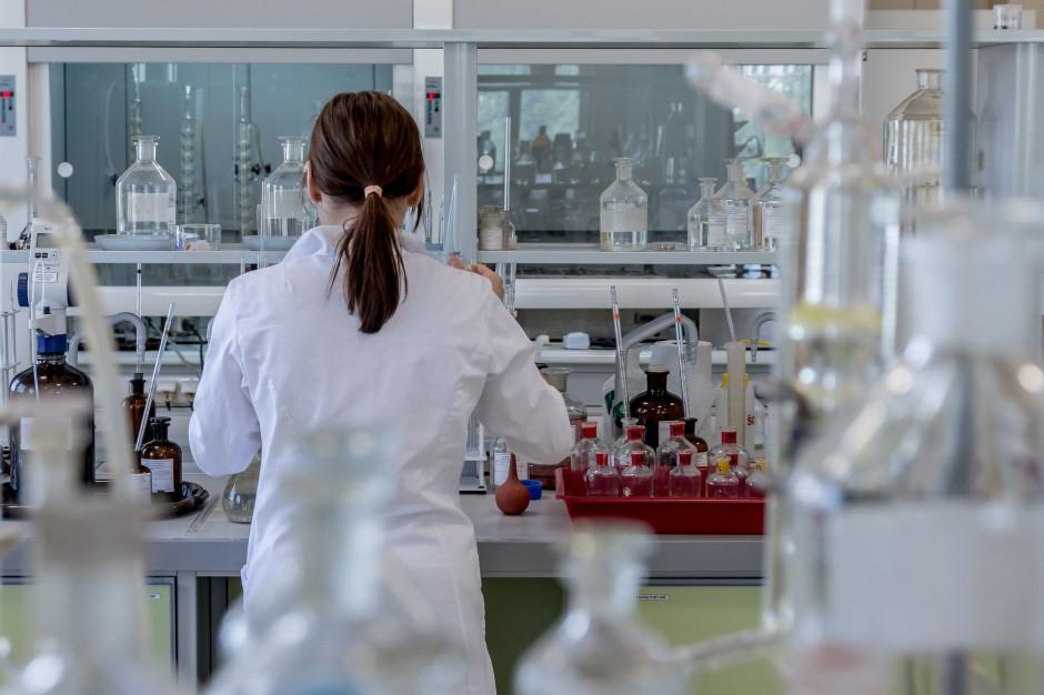 Testy nauczycieli dotyczące koronawirusa dają zdumiewające wyniki