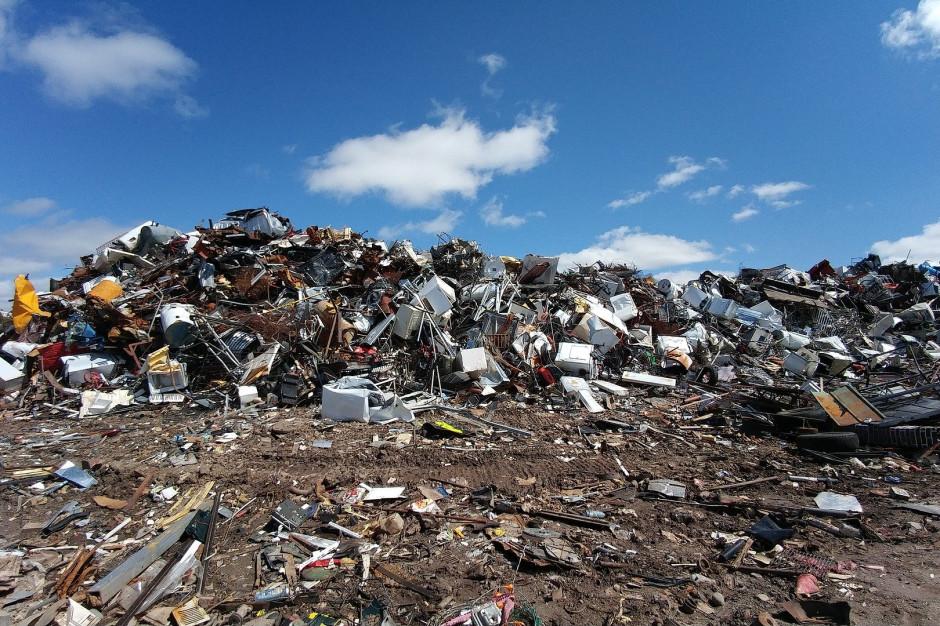 Ministerstwo Klimatu: odbieranie, a zbieranie odpadów komunalnych to nie to samo