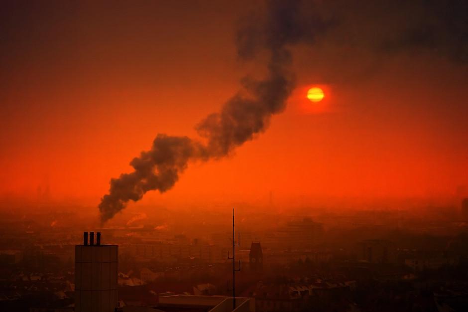 Zanieczyszczenie powietrza pyłami silniejsze przy inwersji temperatury
