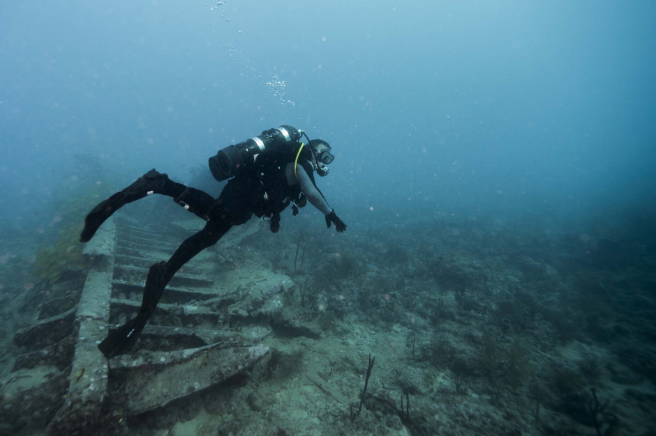 Pomorskie: W wodach Zatoki Puckiej zaginął nurek