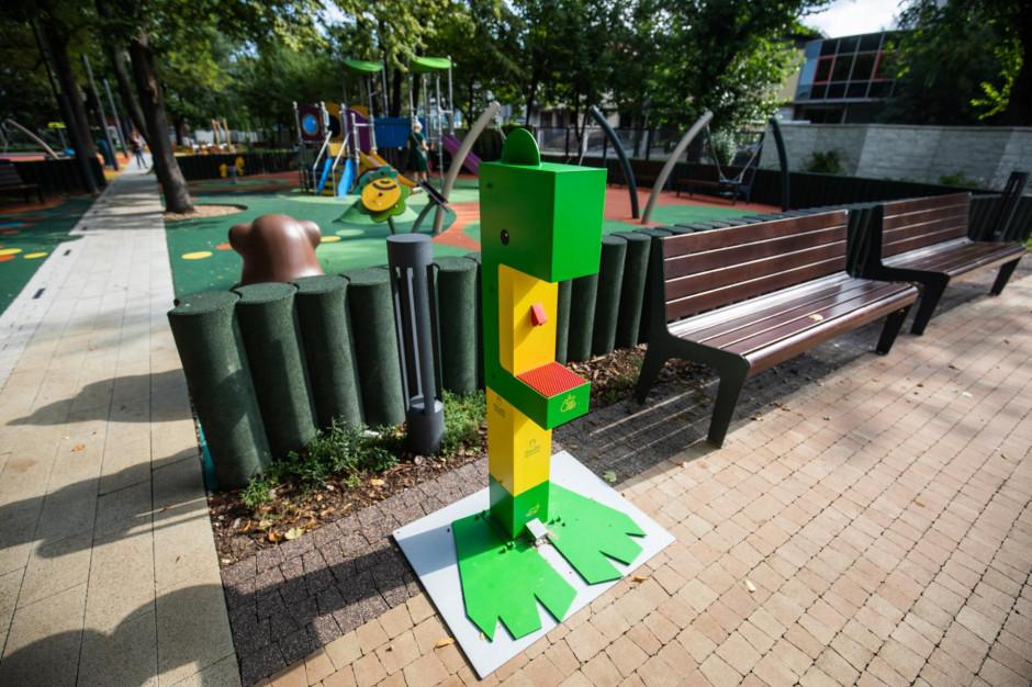 Bielsko-Biała: Na placach zabaw stanęły stacje do dezynfekcji rąk