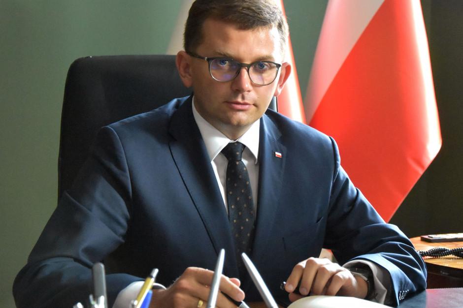 Wojewoda gani burmistrza. Awantura o przesunięcie rozpoczęcia zajęć stacjonarnych w Zakopanem