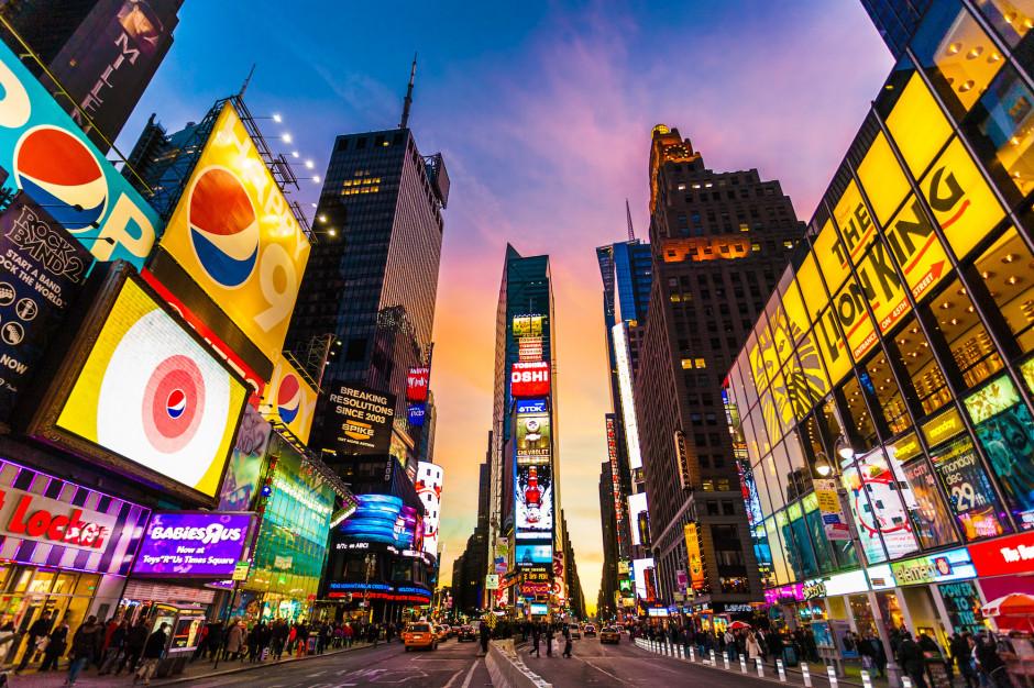 Reklamy już nas śledzą. Branża widzi potrzebę dogadania się z miastami