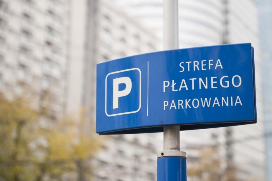 Warszawa: Większa strefa płatnego parkowania i wyższe kary za brak opłaty za postój