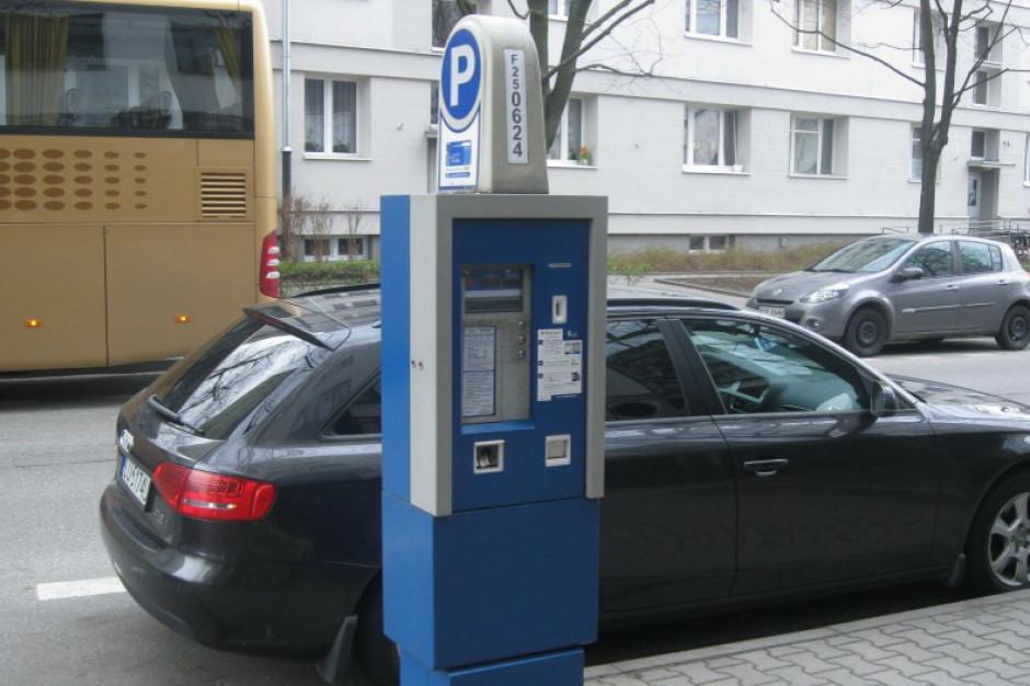 Warszawa: Większa strefa płatnego parkowania i wyższe kary za brak opłaty