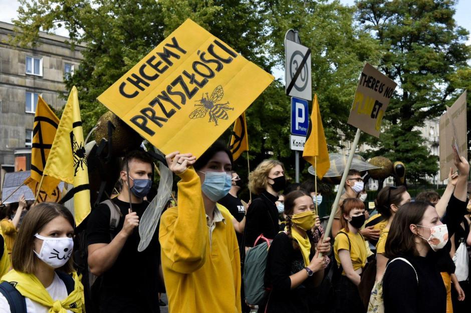 """Ogłaszają """"alarm klimatyczny"""", ale nie będą protestować przeciw zanieczyszczeniu Wisły"""
