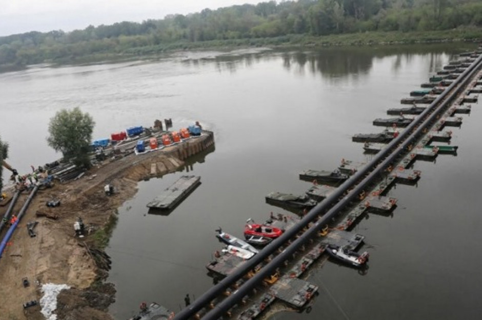 Most pontonowy na Wiśle w Warszawie będzie liczyć 245 m długości; powstanie z 6 odcinków
