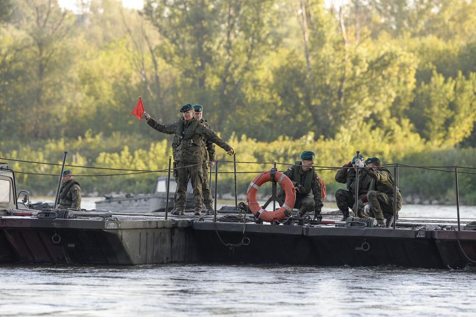 Awaria Czajki w Warszawie. 10 września most pontonowy na Wiśle będzie gotowy do użytkowania