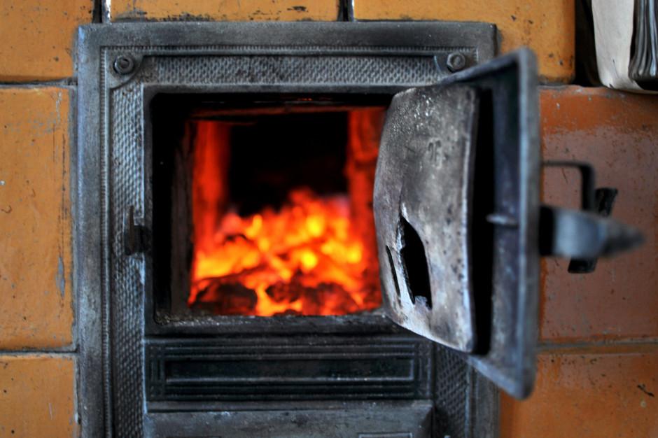 Miasta mają pozbyć się paliw stałych z ogrzewnictwa 10 lat przed wsiami