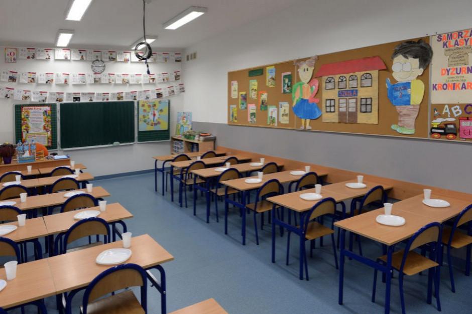 Opolskie: Koronawirus w sześciu szkołach na terenie województwa
