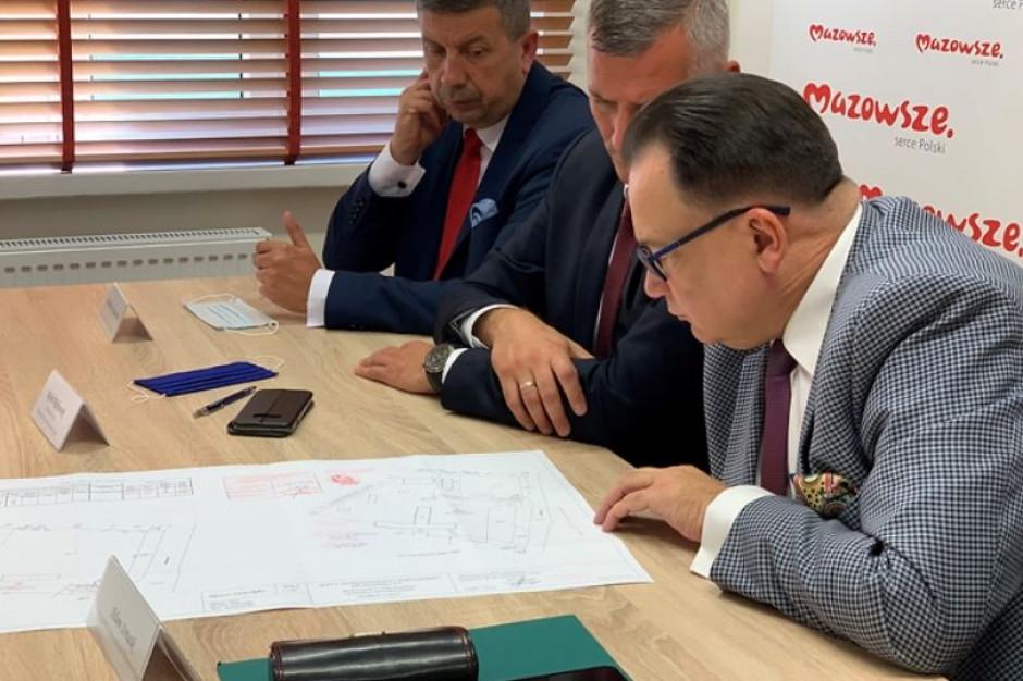 """Samorząd Mazowsza przekazał Ostrołęce """"Stary Szpital"""""""