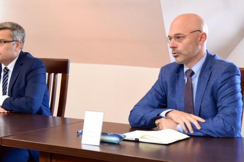 Minister Kurtyka zapowiada program pilotażowy dla gmin walczących ze smogiem