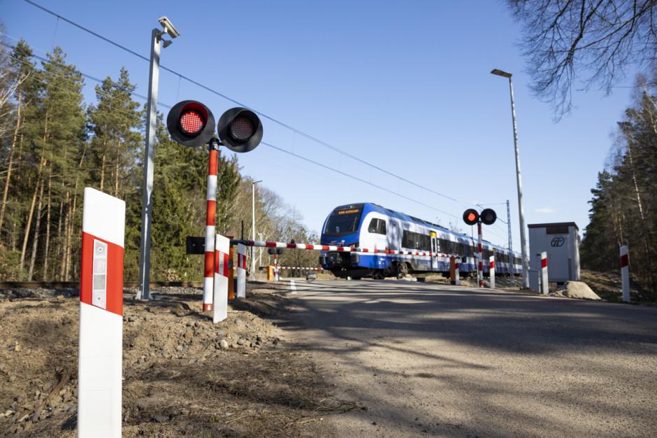 W 2020 r. było mniej wypadków na przejazdach kolejowo-drogowych