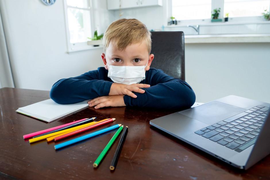 Świętokrzyskie: Kolejne przypadki zakażenia koronawirusem wśród nauczycieli i uczniów