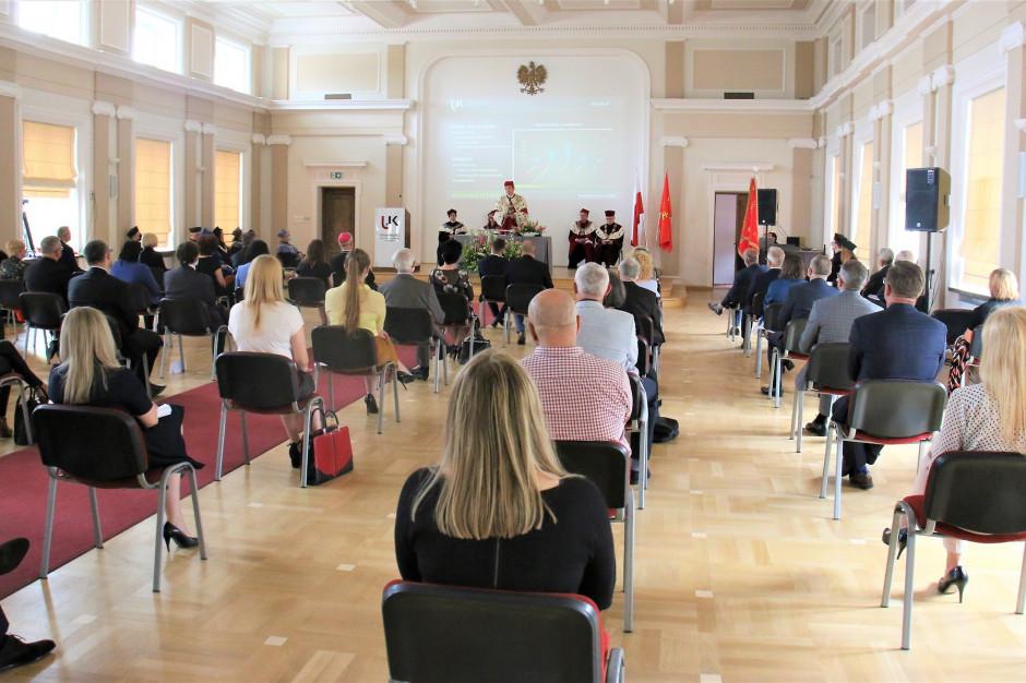 Samorząd przyzna stypendia dla maturzystów decydujących się na studia w Kielcach