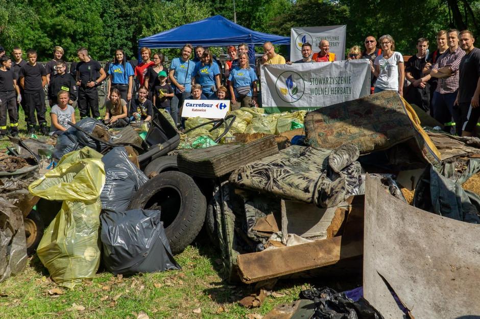 Katowice: Mieszkańcy sprzątali dzielnice. Zebrali prawie 500 worków odpadów