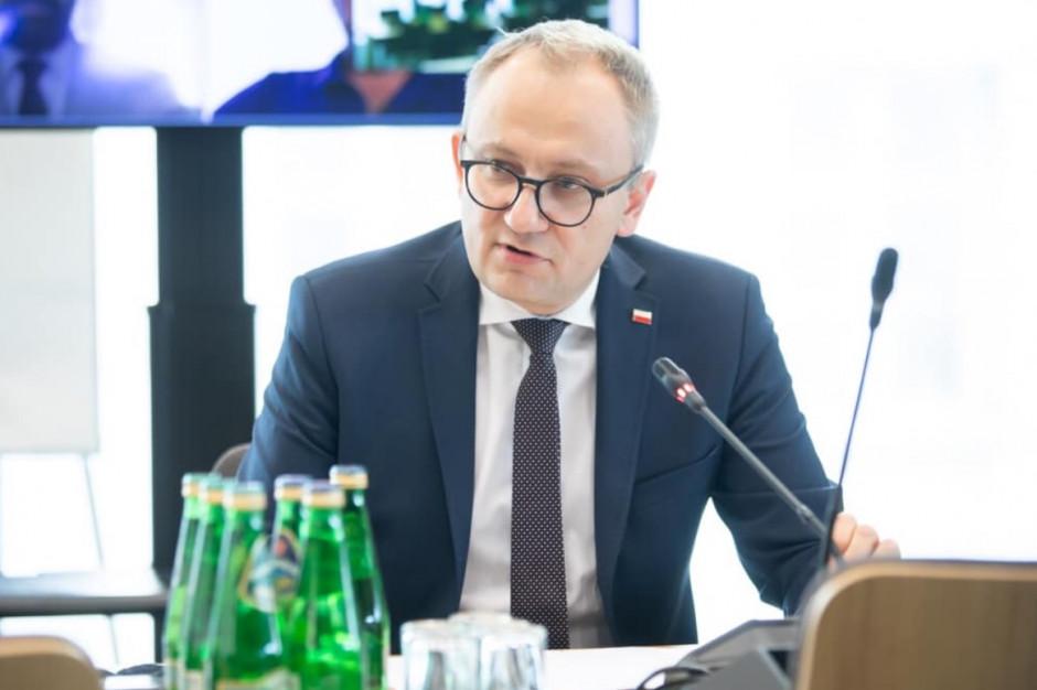 Poboży: Władze Warszawy wymagają prowadzenia za rączkę