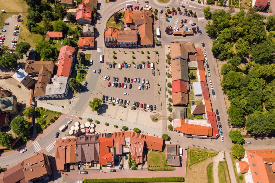 Sąd uchylił zawieszenie w czynnościach służbowych burmistrza Niepołomic i jego zastępcy