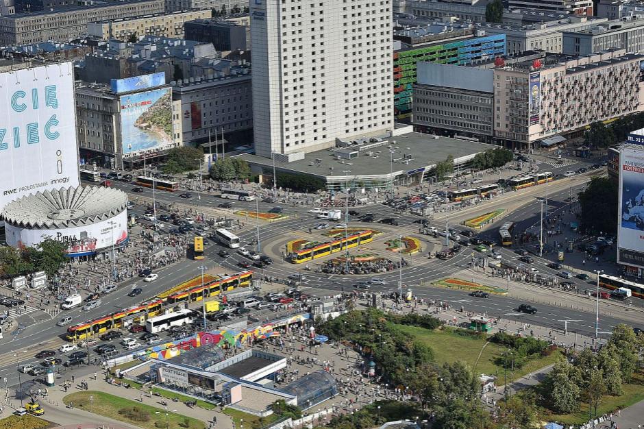 Coraz bardziej na dobowy bilans koronawirusa rzutują duże miasta
