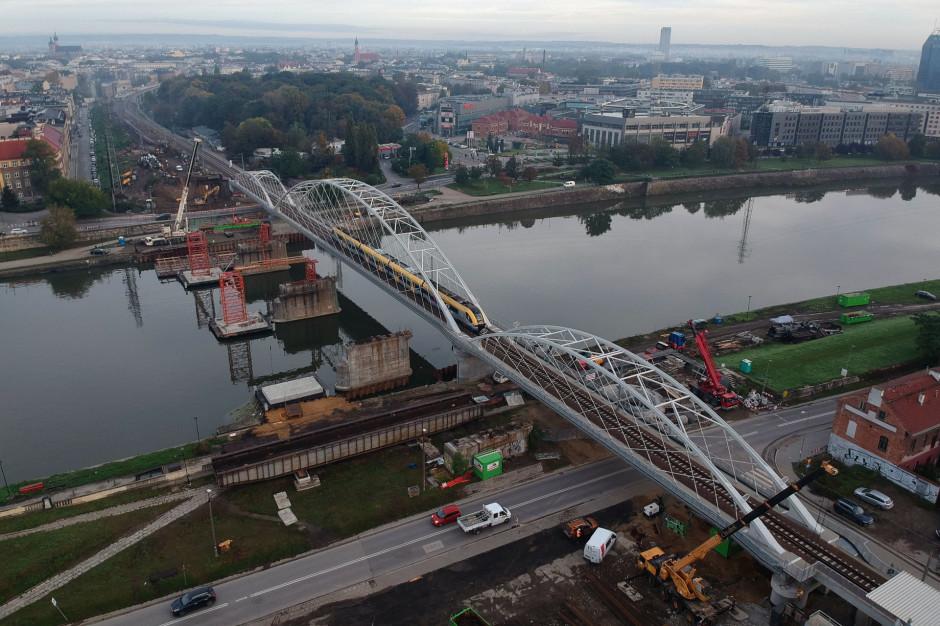 Kraków: Rozebrano stary most kolejowy na Wiśle