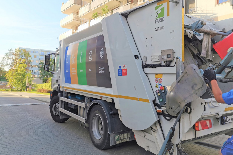 Radni Warszawy przyjęli nowe stawki opłat za śmieci. Wzrost cen zatrzyma dopiero spalarnia?