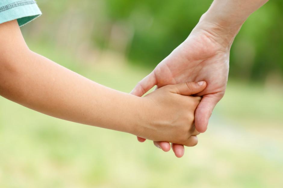 NIK: Matki z dziećmi i kobiety w ciąży bez należytej opieki powiatów
