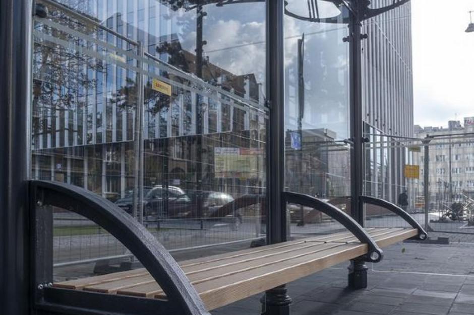 Secesja na przystankach. Nowy wygląd wiat w Łodzi