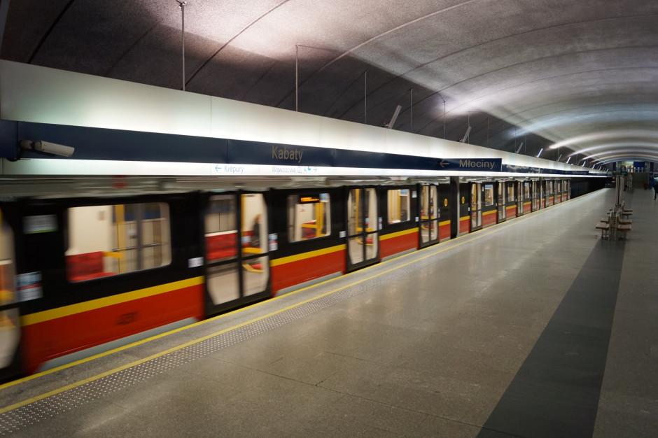 Warszawa: Na stacjach metra zamontowano ekrany Systemu Informacji Pasażerskiej
