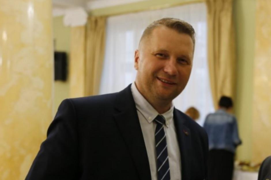 Czarnek skomentował decyzję Owsiaka ws. łóżek szpitalnych