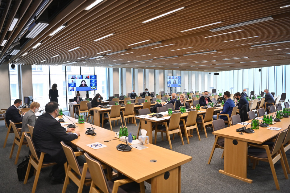 Projekt budżetu oświaty na 2021 r. pozytywnie przyjęty przez komisje sejmowe