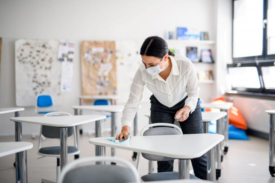 Od września koronawirusa wykryto u prawie 200 nauczycieli stołecznych szkół