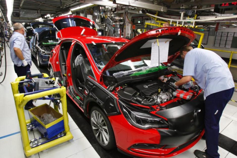 Gliwicka fabryka Opla zakończyła produkcję Opla Astry Sedan