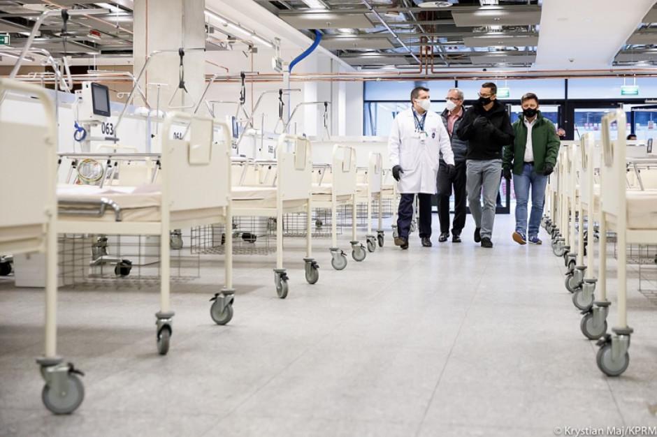 Rząd zapewnia: łóżek covidowych w szpitalach nie zabraknie