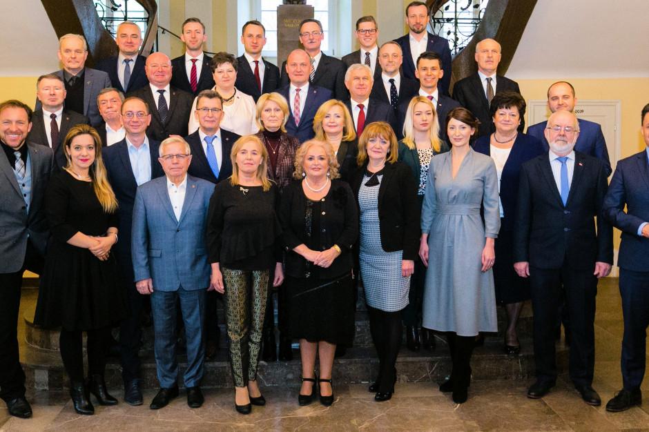 Szczecin: Radni przyjęli stanowisko w sprawie poszanowania praw kobiet