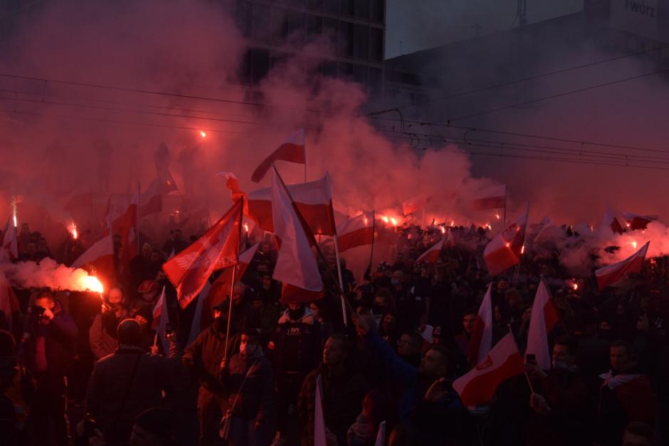 Zamieszki na Marszu Niepodległości w Warszawie. Chuligani zaatakowali policjantów