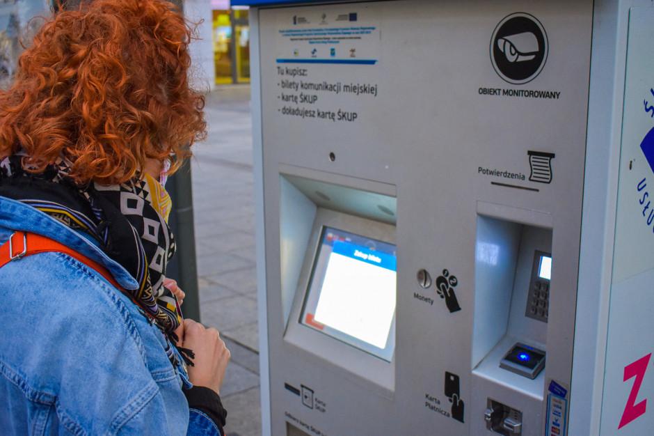 Kolejne biletomaty staną przy przystankach górnośląskich miast