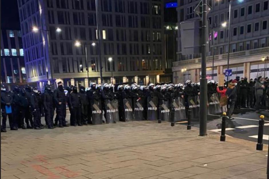 Trzaskowski: Użycie przymusu bezpośredniego wobec protestujących bezpodstawne