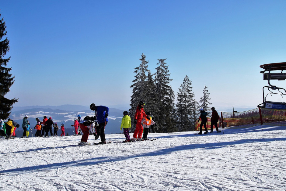Śląskie: Wielu narciarzy na stokach w Wiśle