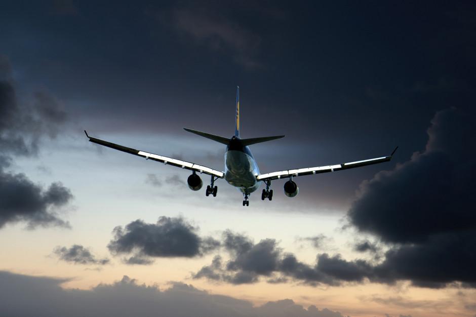 Zakaz lotów międzynarodowych zostanie przedłużony