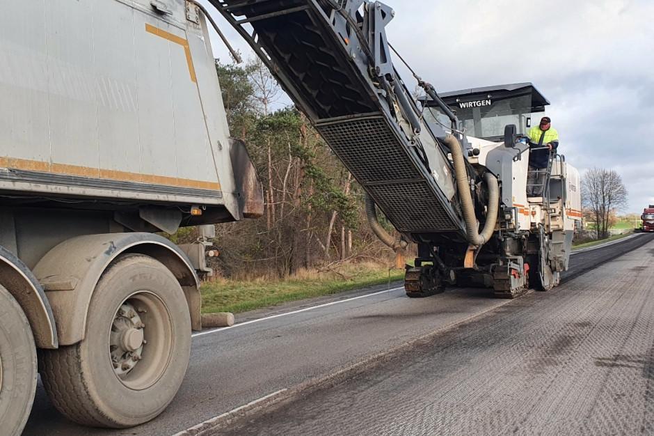 Podpisano umowę na remont drogi Czarne Piątkowo – Miłosław