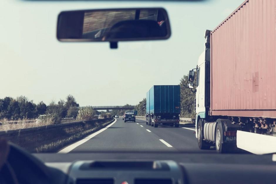 Ograniczenia na drogach dla tirów: ten kompromis nie zadowala nikogo