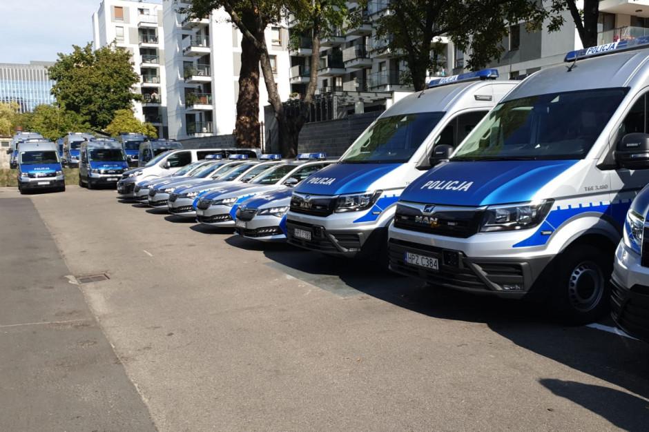 Radni do Trzaskowskiego: Ręce precz od policji