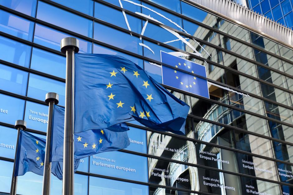 Polacy widzą coraz więcej plusów w UE