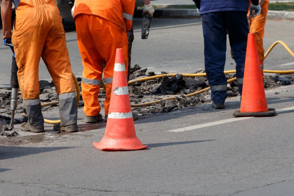 Opolskie: Blisko 18 mln złotych na budowę i modernizację dróg lokalnych